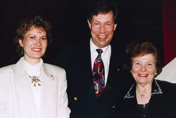Eva and Bo Magnusson with Mrs Einzi Stolz in Berlin 1995.